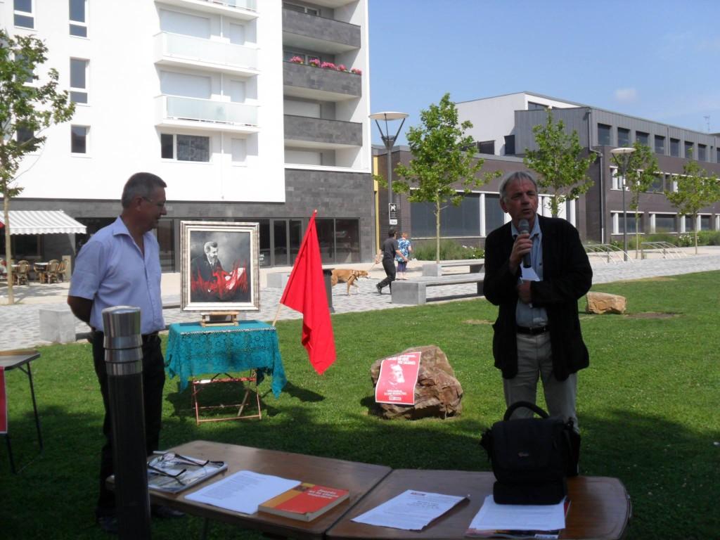 Jacky Maussion Président de l' IHS et A.Delestre Adjt au Maire de Petit-Quevilly lors de la commémoration du 100 ème anniversaire de l'assassinat de J.Jaurès à Petit -Quevilly